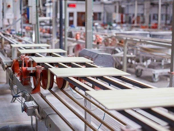 linia produkująca drewniane płytki
