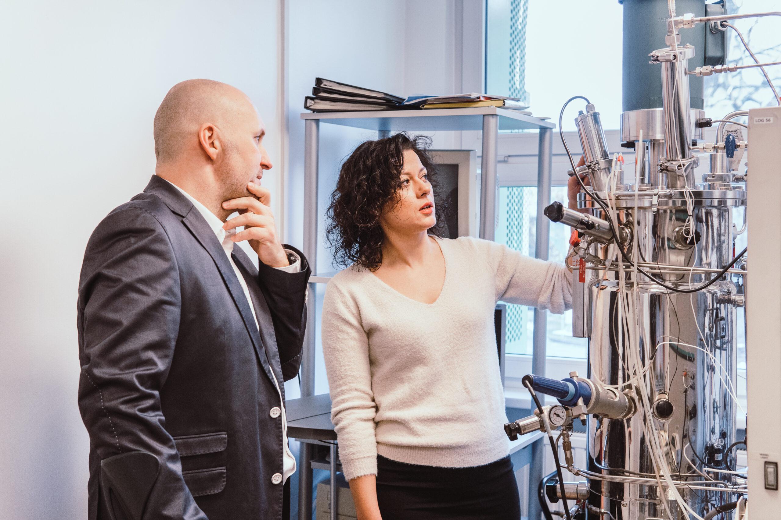 pracownicy innovatree w laboratorium