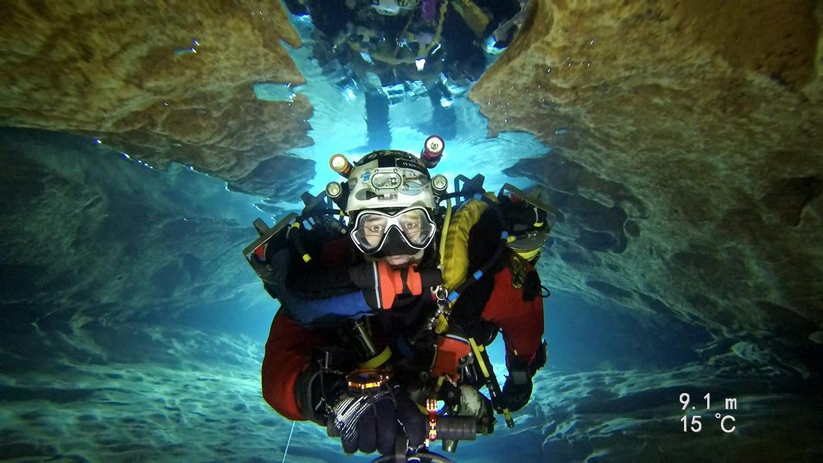 płetwonurek pod wodą