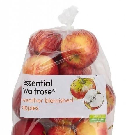 worek jabłek w plastikowym worku